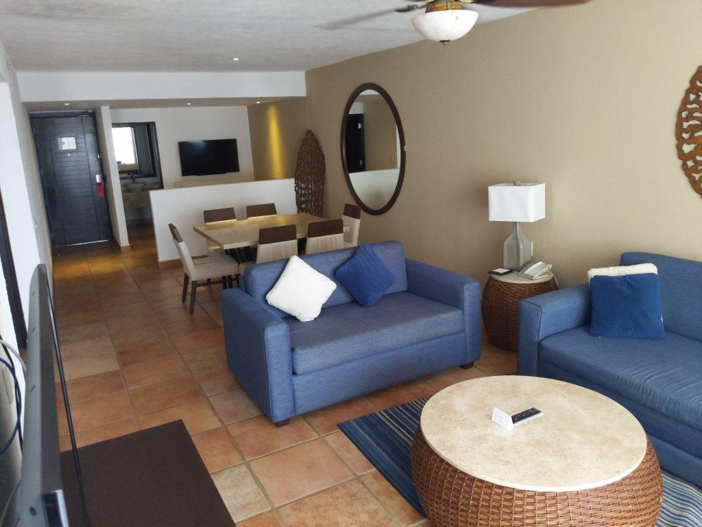 Living space in a room at Hyatt Ziva Los Cabos