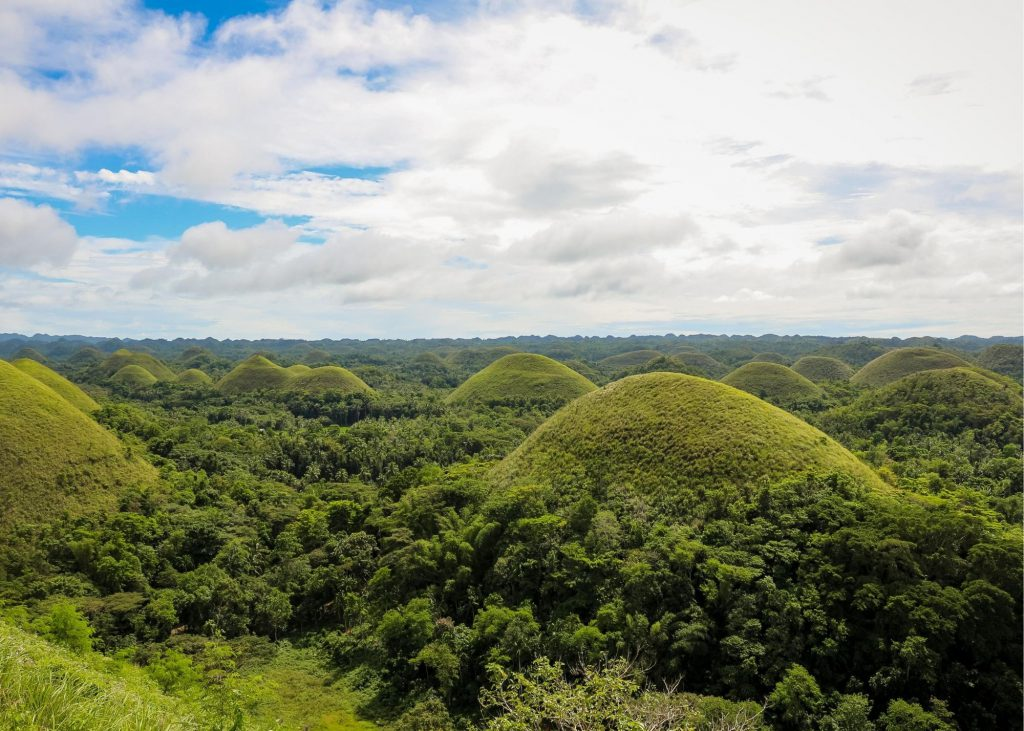 If you're looking for things to do in Bohol, the Chocolate Hills are one you don't want to miss