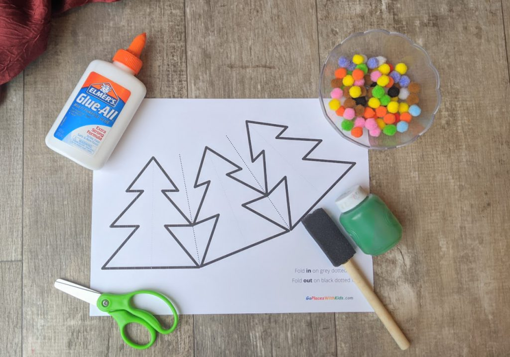 Materials to make the 3D Christmas tree craft