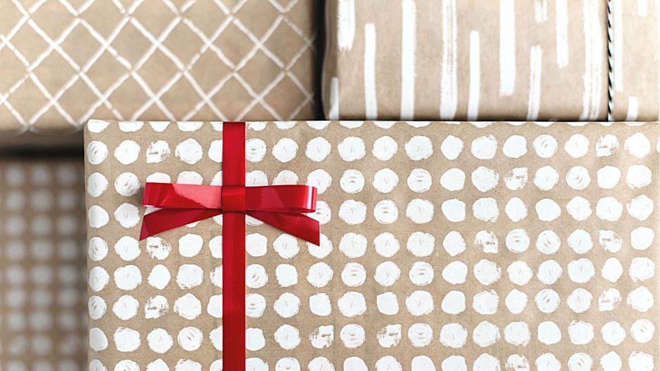 Wrapped gifts- photo by Kari Shea on Upsplash