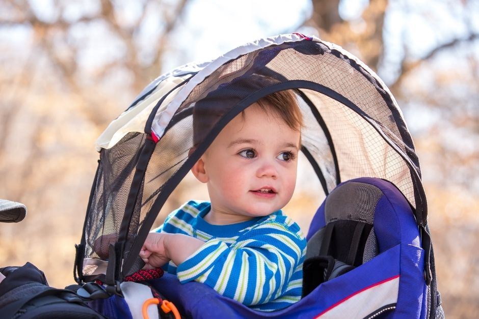 Framed hiking carrier- best toddler carriers for travel
