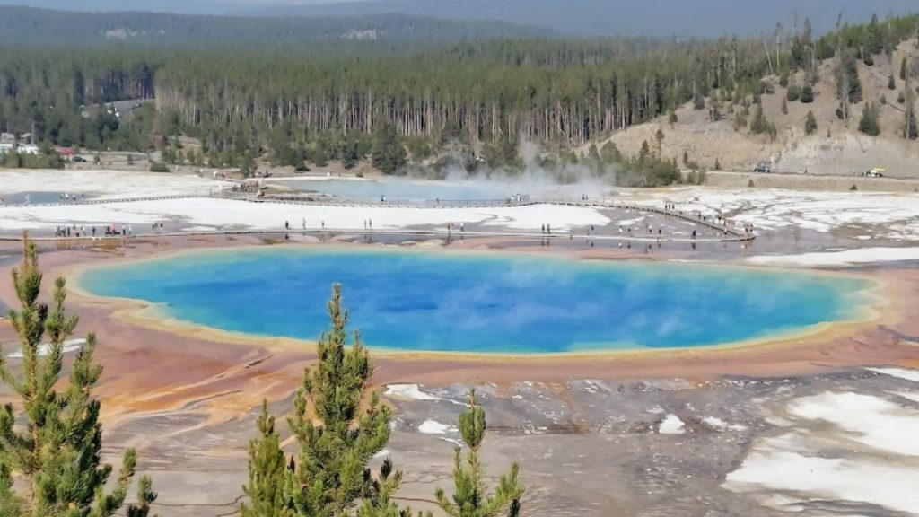 Grand Prismatic Spring- 3 day Yellowstone itinerary